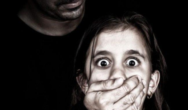 Xâm hại tình dục trẻ em