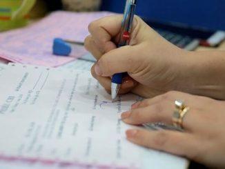 Màu mực chữ ký trên hợp đồng, hóa đơn, chứng từ kế toán